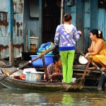 food selling on rowing boat