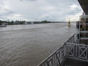 riverview at floating hotel chau doc